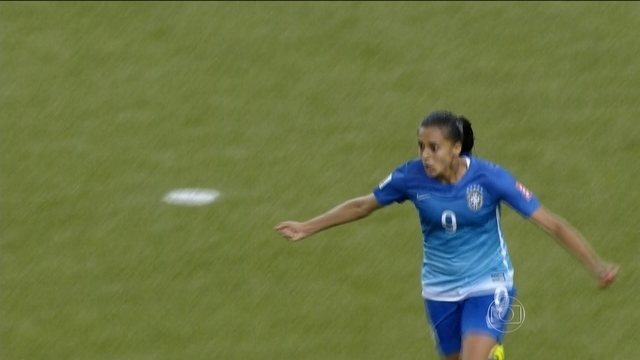 Seleção brasileira vence Espanha pela Copa do Mundo de futebol feminino