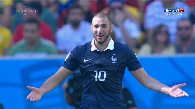 Representantes da federação francesa de futebol afastam Benzema da seleção
