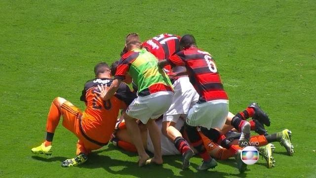 Patrick marca e o Flamengo é campeão da Copa SP de Futebol Júnior 2016