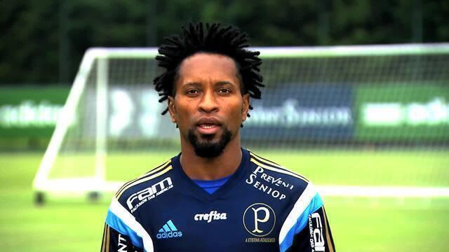BLOG: Ich bin Zé Roberto! Capitão do Palmeiras gasta o alemão na chamada do FootBrazil