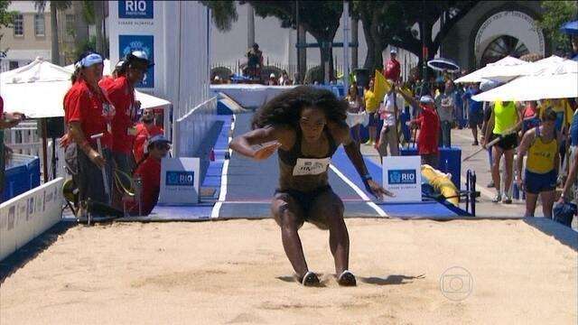 Super Salto: Funmi Jimoh, dos EUA, vence o salto em distância feminino