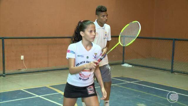 Projeto ajuda jovens e crianças e forma atletas premiados no Badminton