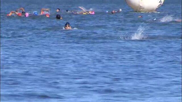 Travessia do Lago reúne atletas profissionais e amadores na Praia da Graciosa em Palmas