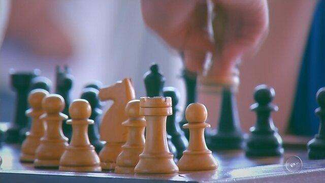 Bauru recebe visita de um grande mestre do Xadrez