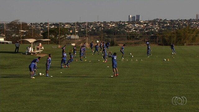 Vila Nova recebe o Náutico no estádio Onésio Brasileiro Alvarenga