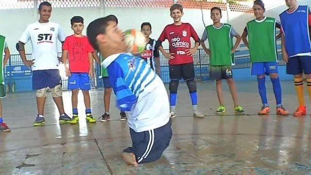 Juninho supera dificuldades e é exemplo para jovens de Itiquira