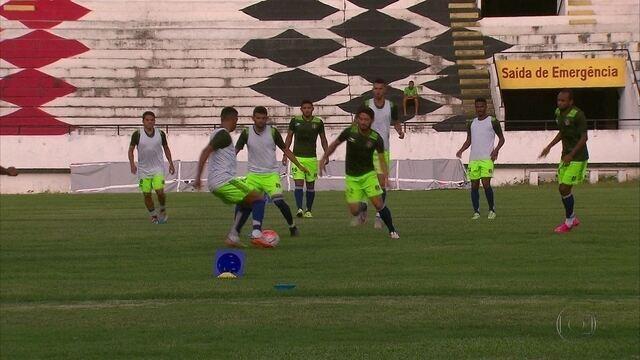 Com nove jogos sem vitória, Santa Cruz projeta melhora com partidas no Recife