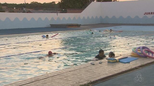 Confira dicas para pais que querem colocar os filhos para praticarem natação