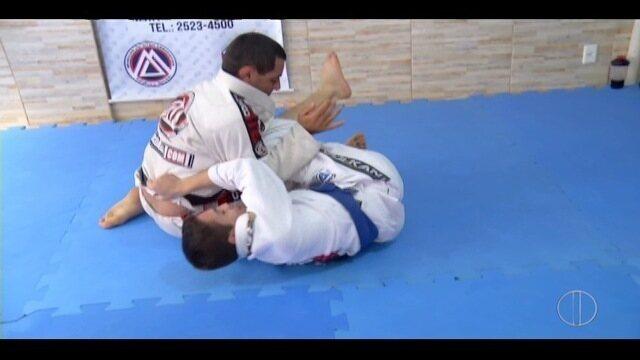 Adolescente de Nova Friburgo, RJ, emagrece 20 kg lutando jiu-jitsu