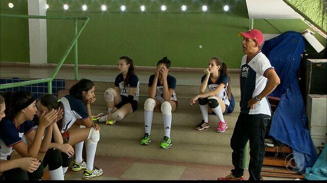Com Zico no comando, time de vôlei de Tocantins quer brilhar nos Jogos da Juventude