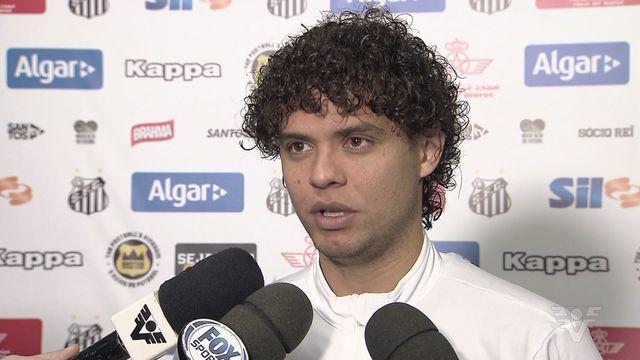 Victor Ferraz fala sobre desfalques do Santos FC