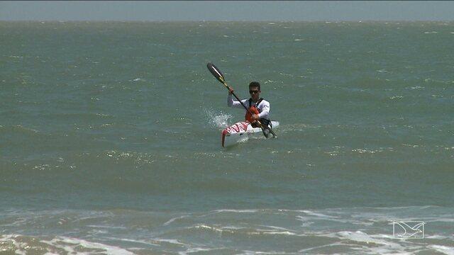 Maranhense se prepara para torneio de canoagem down wind, em Fortaleza