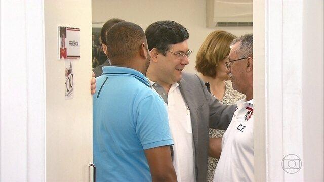 Presidente do Santa Cruz se reúne com funcionários do administrativo do clube