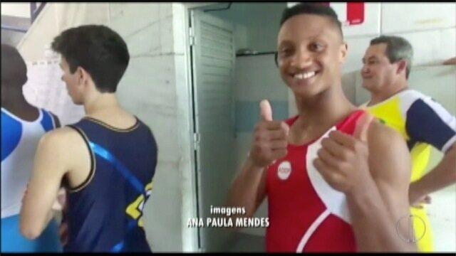 Ginastas de Cabo Frio, RJ, são campeões no trampolim