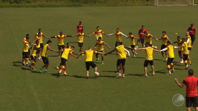 Vitória tem jogo definitivo contra o Coritiba nesta segunda-feira (28)
