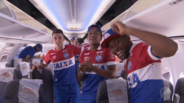Equipe e torcida do Bahia comemoram o acesso à primeira divisão do Campeonato Brasileiro