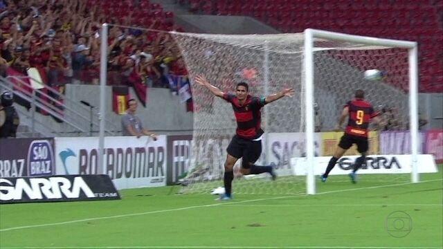Durval desabafa por conta de período que ficou no banco de reservas no Sport