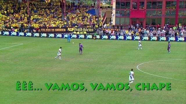 Torcedores do Vasco lembram a Chapecoense durante jogo nos Estados Unidos