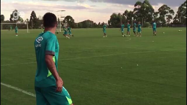 Alan Ruschel treina com bola na Chapecoense