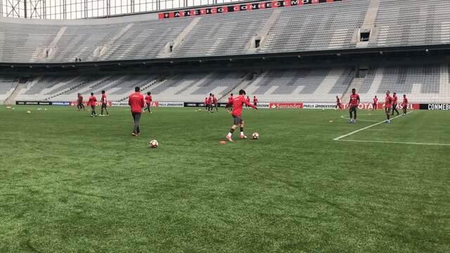 Por dentro do treino: Rossetto retorna ao Atlético-PR contra o Fla