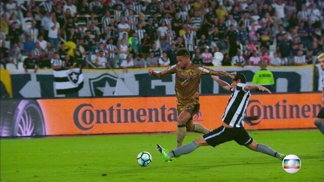 Pela Copa do Brasil, Sport sai na frente, mas vacila e vê Botafogo virar o jogo