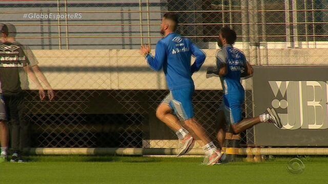 Maicon e Bolaños ainda não voltam, e Renato faz coletivo de time reserva do Grêmio