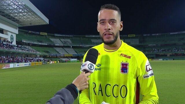 """""""A gente queria fazer um bom jogo e conseguimos fazer"""" diz goleiro Leo, do Paraná"""