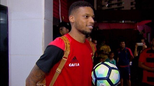 André marca três gols e leva bola para casa