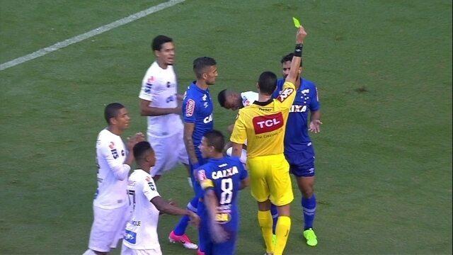 Léo faz falta dura em Copete e recebe cartão amarelo, aos 8 do 2º tempo