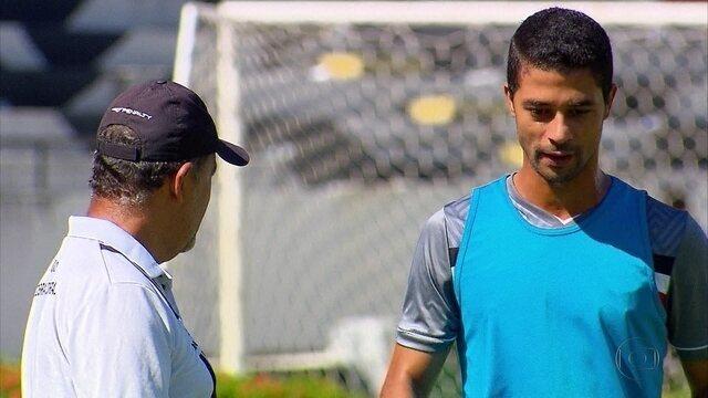 Contra o Figueirense, Santa pode ganhar reforço de Ricardo Bueno