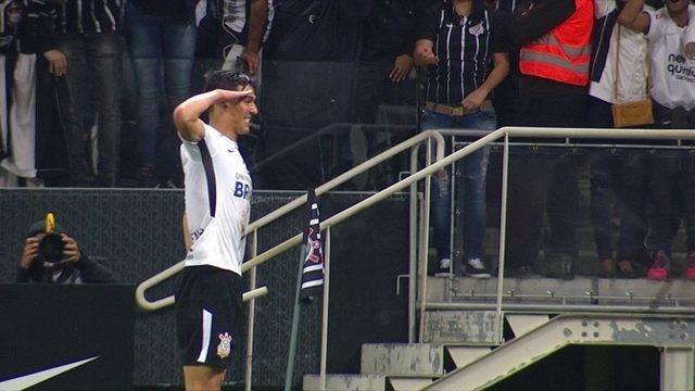 Os gols de Corinthians 3 x 0 Bahia pela 9ª rodada do Campeonato Brasileiro