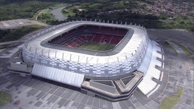 Na Arena, Santa quer fazer valer retrospecto para vencer o Figueirense