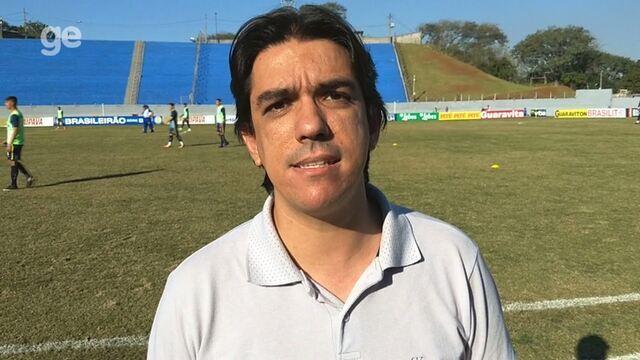 Por dentro do treino: Tencati monta o time do Londrina e pede atenção contra o Náutico