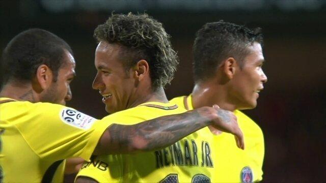 Gol do PSG! Cavani rola para Neymar tocar para o fundo das redes aos 36' do 2º tempo