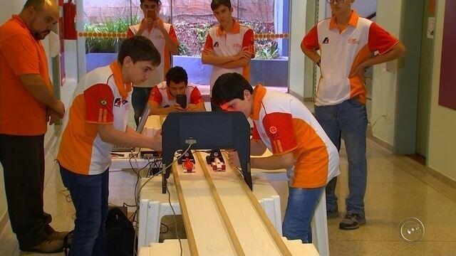Estudantes de Bauru montam mini equipe de fórmula 1 e vão conhecer o mundo do automobilism