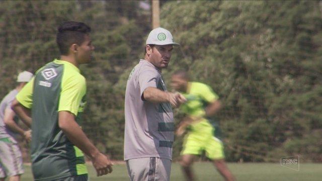 Chape esquece eliminação na Sulamericana e quer foco em recuperação na Série A