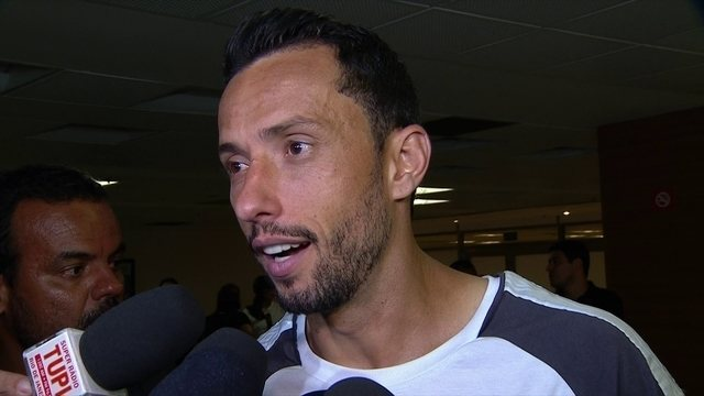 Nenê diz que sempre pensa positivo e que o Vasco luta pela Libertadores