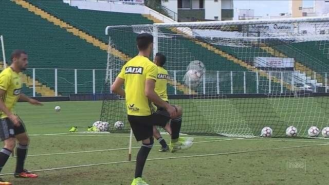 Figueira pega o Londrina no Paraná e busca melhora como visitante para seguir fora do Z-4