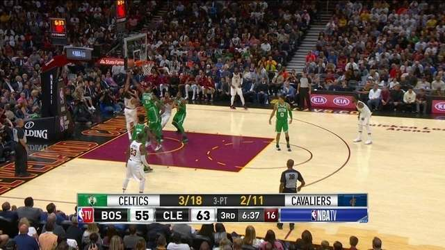 Rose vai pra cima da marcação, e converte mais dois, 65 x 55 Cleveland