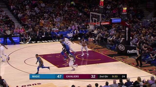 LeBron James, do Cavaliers, deu a melhor assistência da noite da NBA
