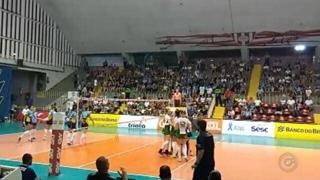 Sem sustos, Sesc-RJ vence Bauru e segue em busca da liderança da Superliga