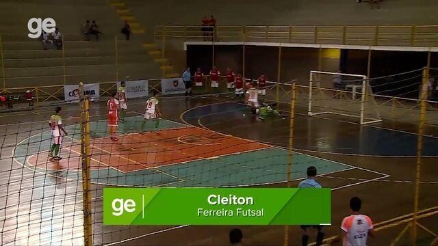 Gol de Cleiton, do Ferreira Futsal