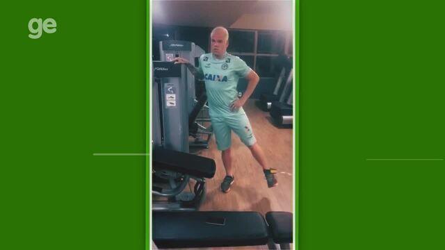 Tiago Luís, do Goiás, posta vídeo de treino nas férias