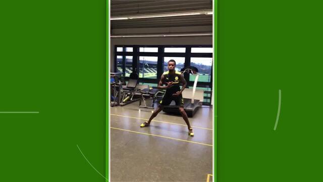 Felipe Santana, do Atlético-MG, faz exercícios no CT do Borussia Dortmund durante férias