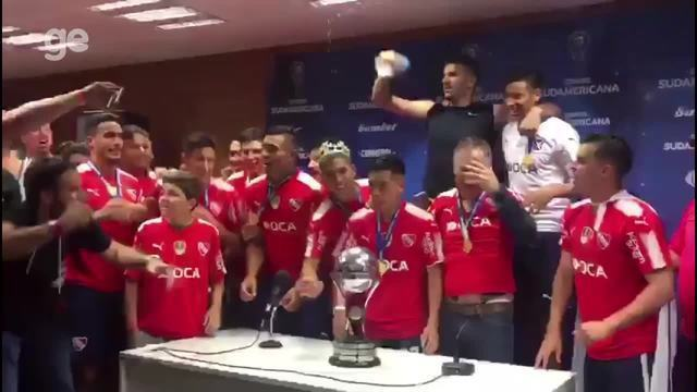 Jogadores do Independiente comemoram título da Sul-Americana