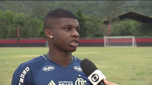 Lincoln contem ansiedade com chance de primeiro título nos profissionais do Flamengo
