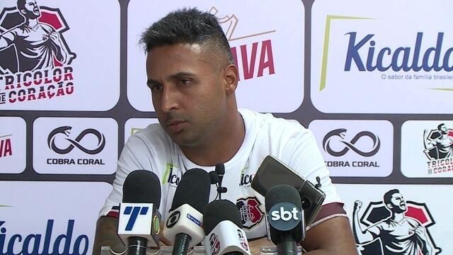 Para melhorar números do ataque, Santa Cruz aposta em Fabinho Alves e Brayner