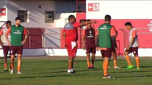 Sergipe treina no João Hora antes de enfrentar o Lagarto no Batistão pelo estadual