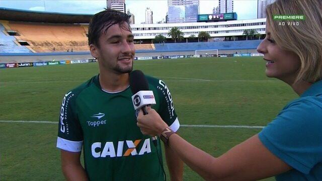 Léo Teles estreia pelo Goiás e celebra vitória