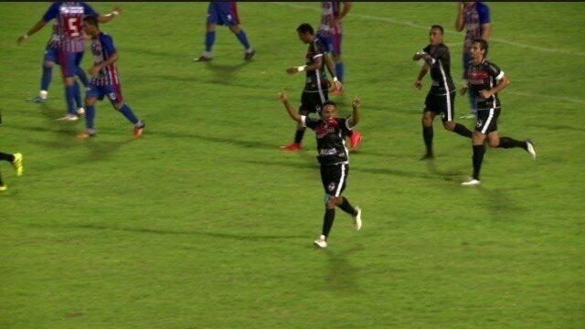 Márcio Diogo dribla quatro, deixa dois no chão e marca para o River-PI; veja gol